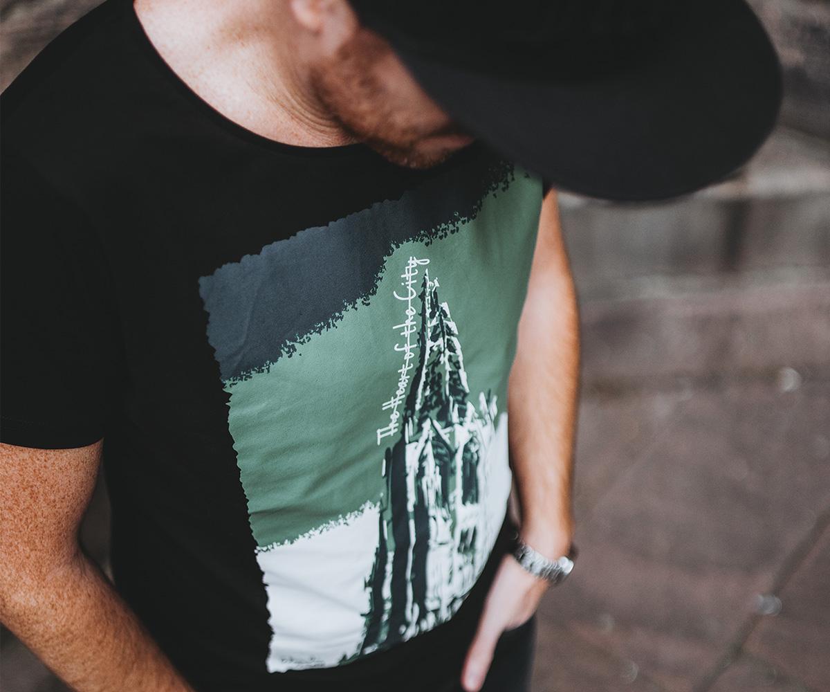Das Freiburger Münster T-Shirt von Freiburgs Finest